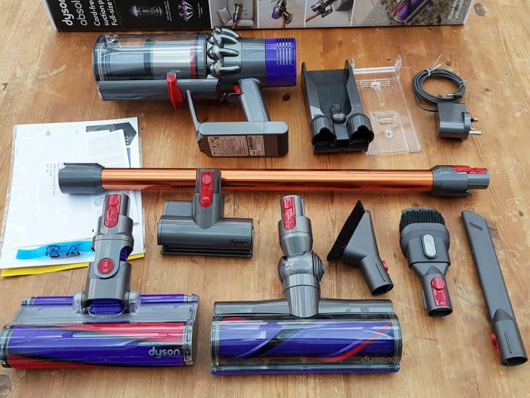 dyson cyclone v10 pr sentation du dernier aspirateur sans fil dyson. Black Bedroom Furniture Sets. Home Design Ideas