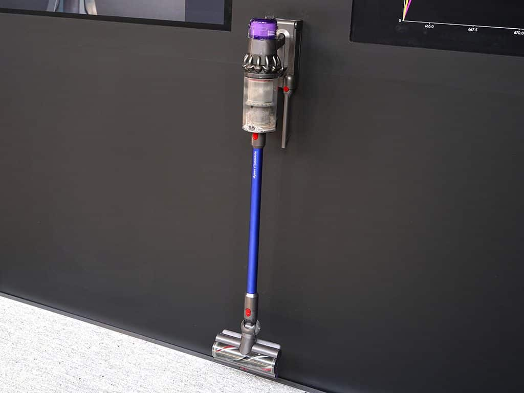La station de recharge du Dyson V11 Absolute